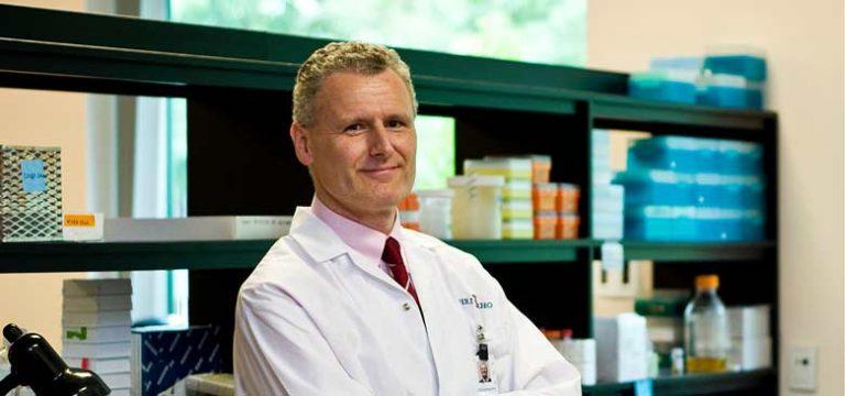 Le Dr Michael Schlossmacher a dirigé une étude qui a permis la découverte du gène parkin