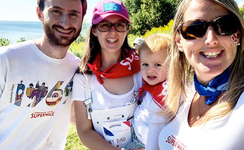 Famille participant à La Grande Randonnée Parkinson Canada